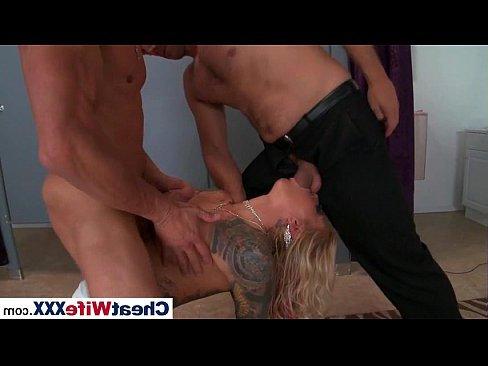 секс молоденькой блондинки с негром