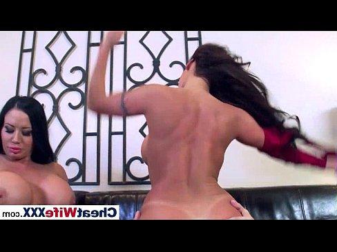 порно видео молоденькие с огромной грудью