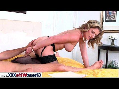 бесплатные порно ролики кончил анал