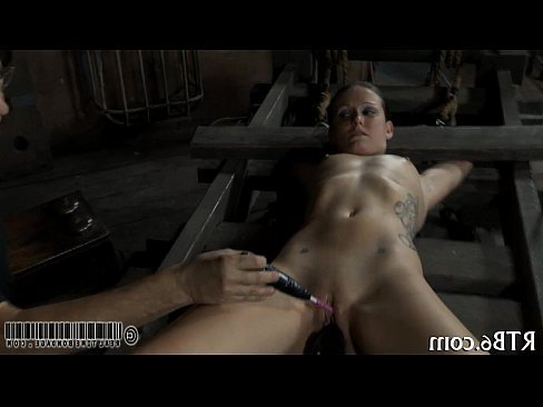 порно лижет жопу в говне