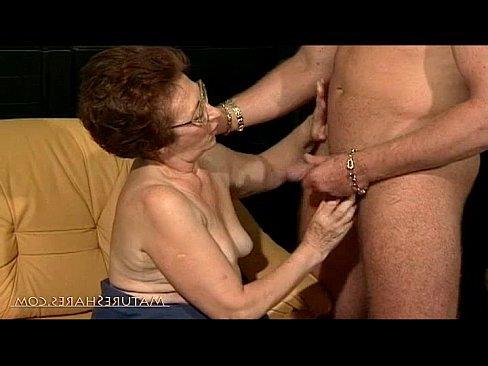 мамаша трахает парня порно видео