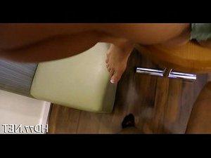 ролик выебанная девка в жопу