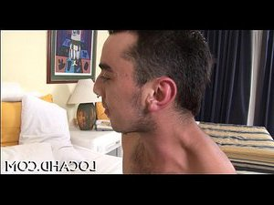 транс кончает мужику в рот онлайн