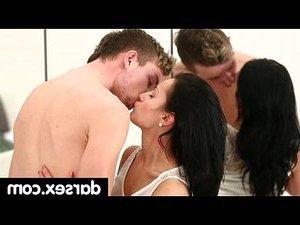 порно видео лижет жопу мужу